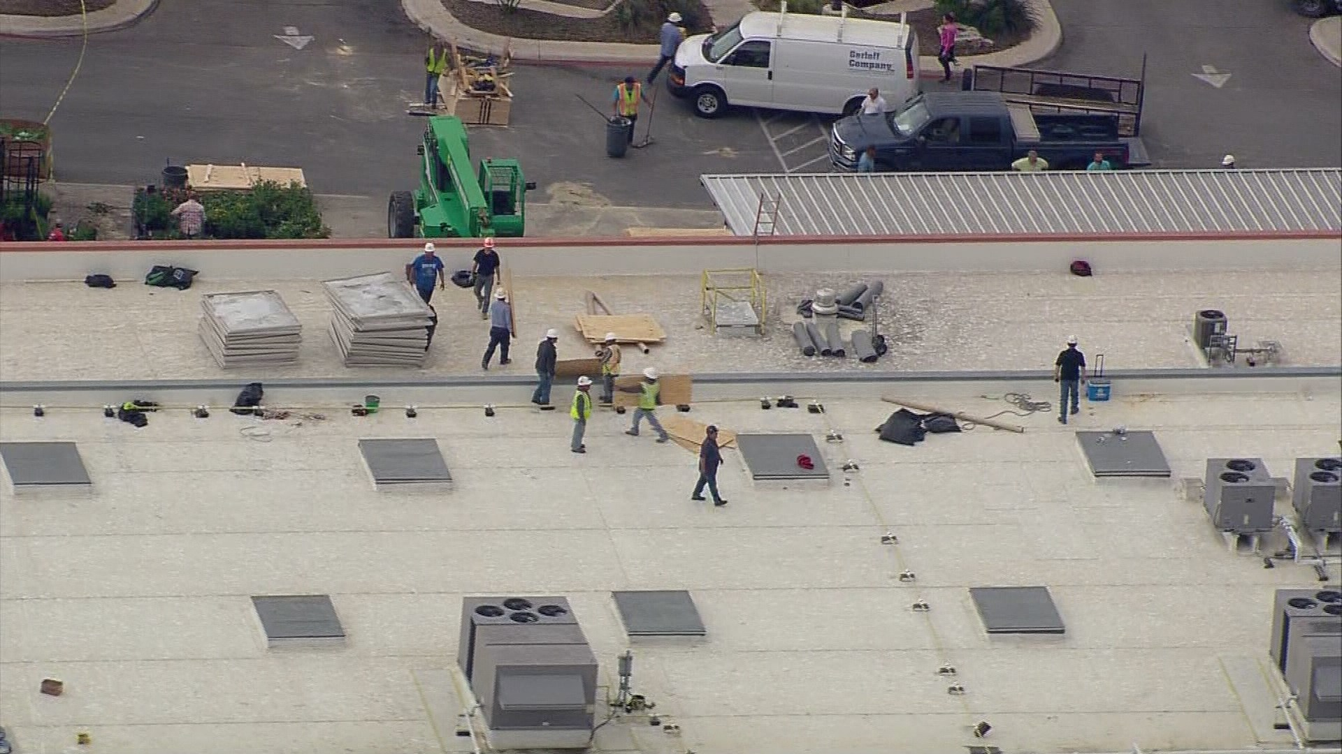 Heb Gas Prices >> kens5.com | WATCH: Workers fix holes atop HEB, every skylight broken