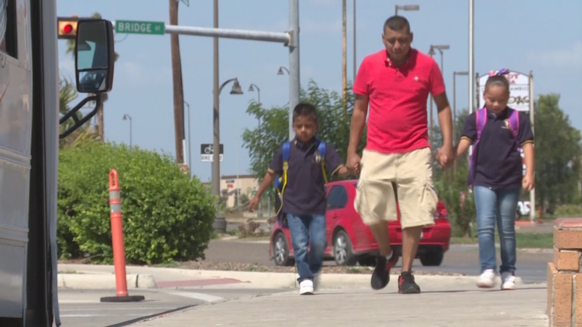 mexican father walks his kids across the border to school every mexican father walks his kids across the border to school every day com