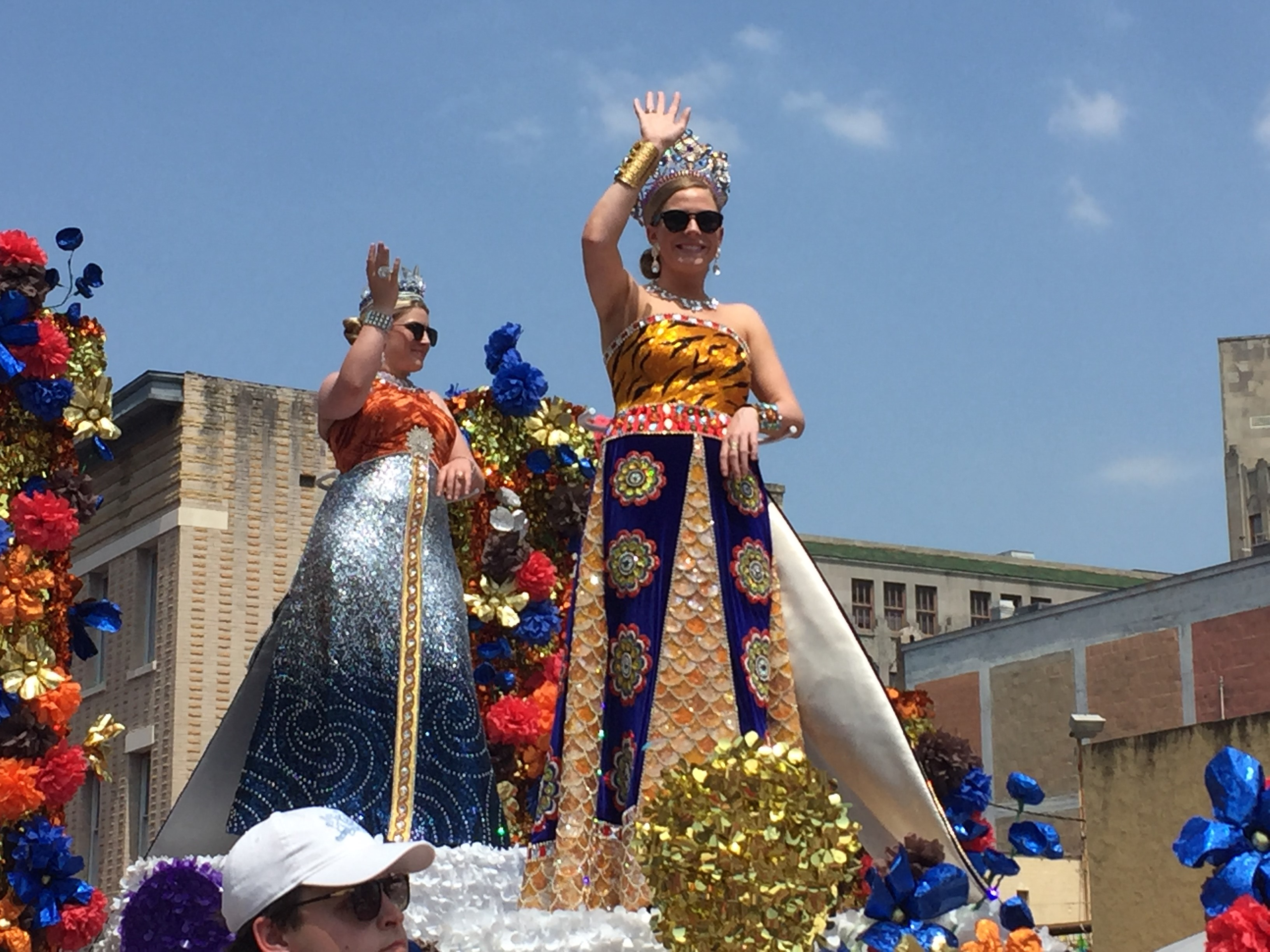 Thousands Brave The Heat For Battle Of Flowers Parade